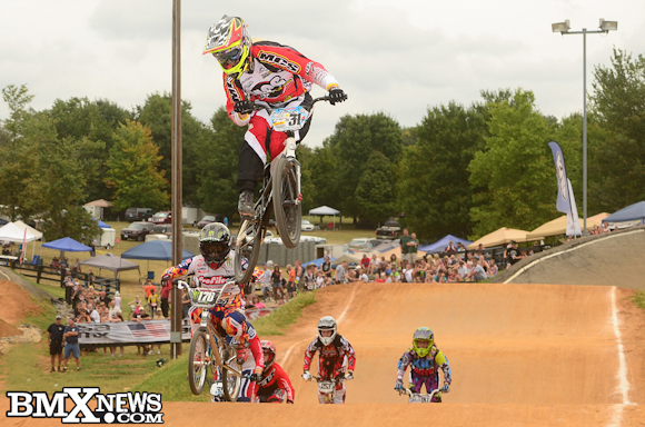 Vote for Amanda Geving - MCS Bicycles in the BMX News Photo Trophy Dash