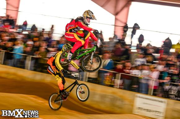 Vote for Ryan Zinzow in the BMX News Photo Trophy Dash
